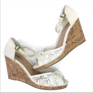Seychelles White Lace Cork Wedge Sandals 10